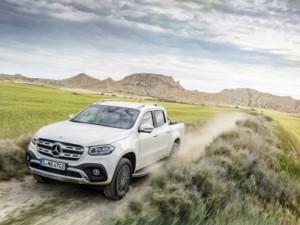 """X klasės """"Mercedes-Benz"""" taikosi į turtingus keturračių mėgėjus ir buriuotojus"""